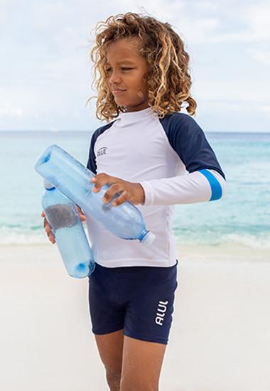 UV-Kleidung aus recycelten PET-Flaschen für Jungen